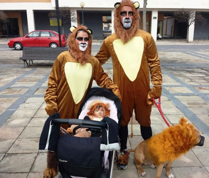 Mejor disfraz adulto: Familia Moleón. Foto: Ayuntamiento de Tudela