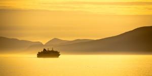 Hurtigruten_verano_Sol de Medianoche