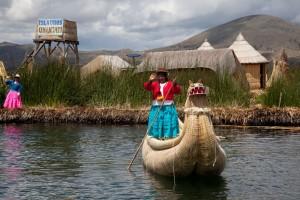 Islas de los Uros en el lago Titicaca ©Alex Bryce