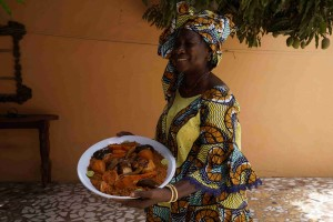 GAMBIA: Ida Cham con Benachin
