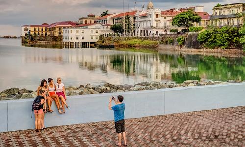 PANAMÁ apuesta por el turismo de compras