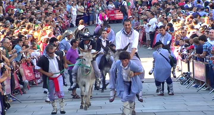 Día Del Blusa Y De La Neska En Gasteiz Vitoria Gasteiz