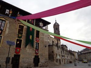 Preparativos en Gasteiz para acoger el Mercado Medieval. Foto: Jose Maria Alonso