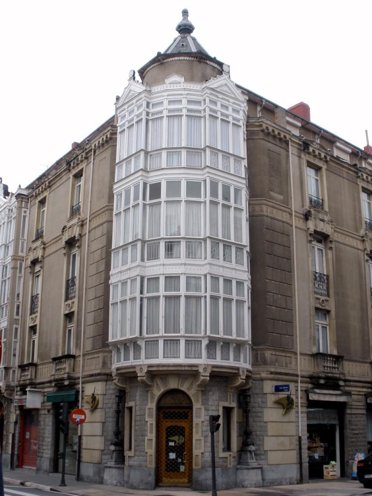 Calle San Antonio con esquina en Manuel Iradier. Foto: Wikimedia