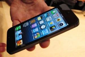 Imagen de archivo del iPhone-5. Foto: EFE.