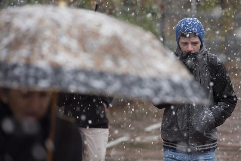 Una nevada en Vitoria. Imagen de archivo: EFE