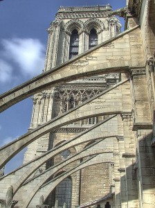 448px-Notre_Dame_buttress[1]
